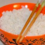 אורז לבן בסיסי פשוט וקל שיוצא אחד-אחד