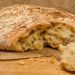 לחם ביתי מופרע ופראי ללא לישה בטעם של פעם