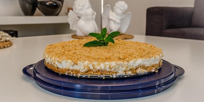 עוגת גבינה פרורים עם שמנת