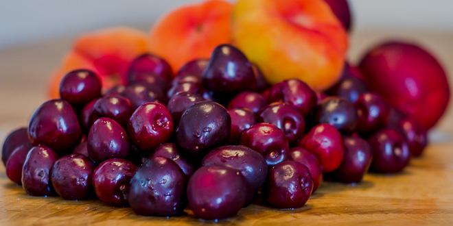 ריבת דובדבנים ואפרסקים