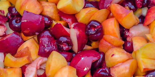 חיתוך הפירות לריבה