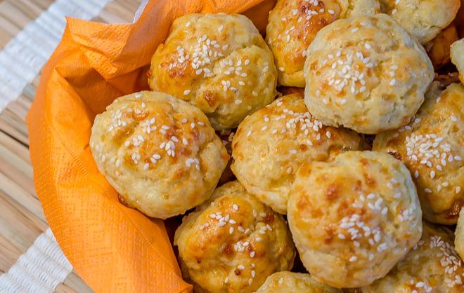 בואיקוס גבינה וסומסום