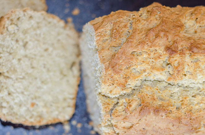תצלום תקריב של לחם בירה