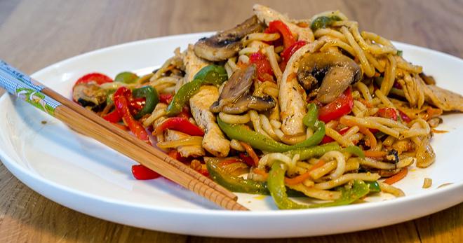 ירקות מוקפצים עם עוף מתכון לתזונה נכונה ואוכל בריא