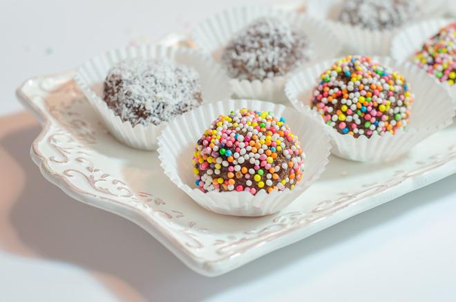כדורי שוקולד עם סוכריות