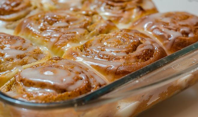 עוגת שמרים עם זיגוג סוכר