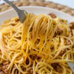 ספגטי בולונז פשוט לילדים עם רוטב עגבניות ובשר טחון