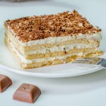 עוגת ביסקוויטים פשוטה וקלה להכנה מ- 5 מצרכים