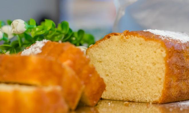 עוגה מוכנה מחמישה מצרכים בלבד