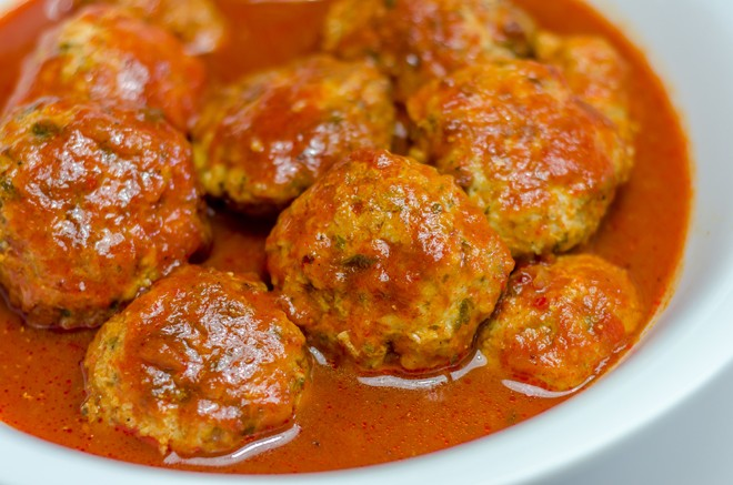 קציצות עוף ברוטב עגבניות