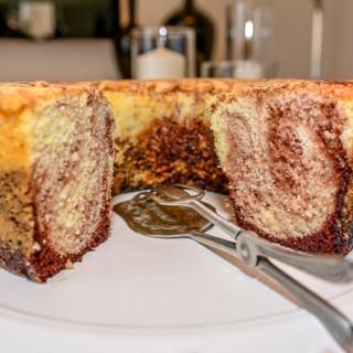 עוגת שיש פשוטה גבוהה אוורירית וקלה מאוד להכנה