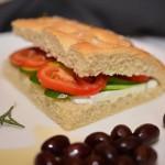 פוקצ'ה איטלקית נהדרת עם שמן זית ורוזמרין