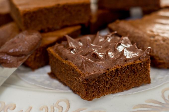 עוגיה מצופה בקרם שוקולד