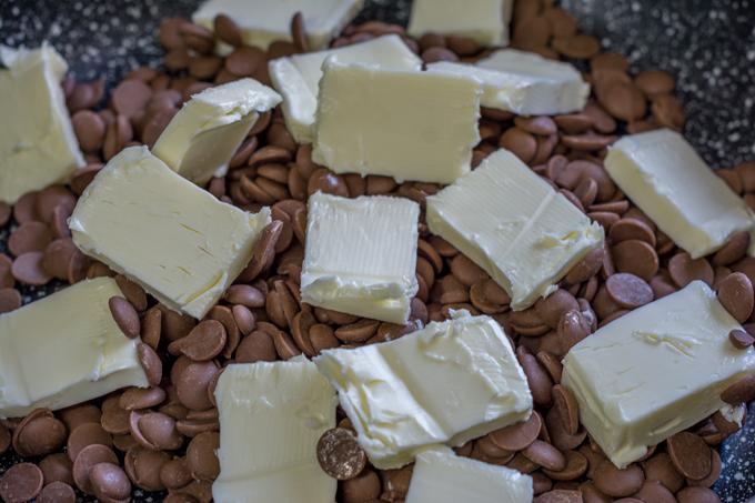 פתיתי שוקולד עם חמאה