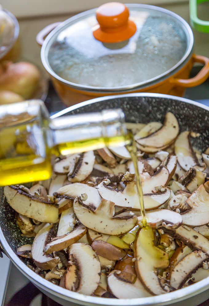 פטריות עם שמן זית