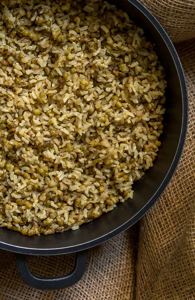 אורז מלא בסיר