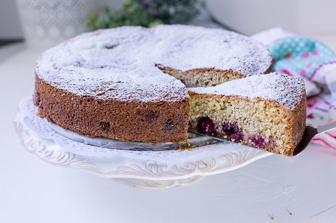 פריסה חתיכה של עוגה